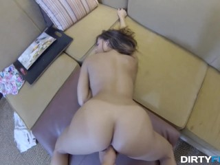 Dirty Flix - Chi Chi Medina - Fucked for some juicy donations