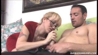 Milf Wants Big Cocks With Big Cumloads To Look Good