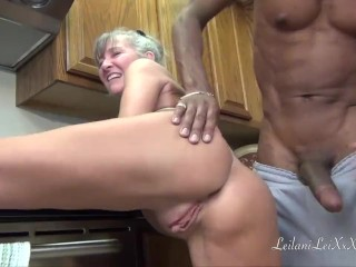 Camel Toe Kitchen – Milf Gets Facial