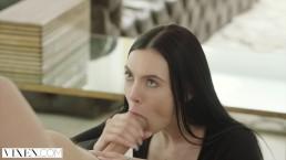 Vixen - Marley Brinx tradisce con il capo dal cazzo enorme