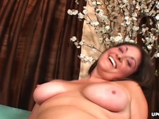 Blasting her soaking wet pussy before he cums in her mouth