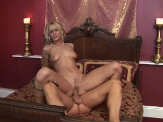 Bubble Butt All Natural Blonde Cynthia Vellons Gets Rough Fuck