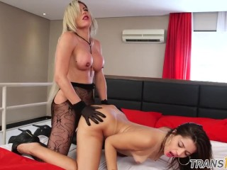 Busty tgirls doggystyling babe before facial