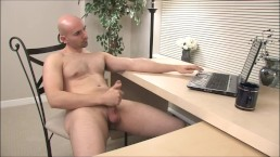 Guy Jerks Off On Webcam While Wife Is Away