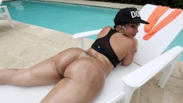 BANGBROS - La bella culona latina Destiny prende cazzi da Muthafuckin' J-Mac