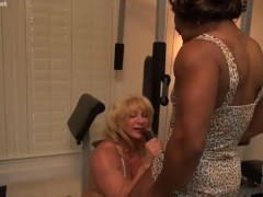 Mature female bodybuilder Wild Kat and ebony muscle Nadia