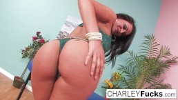 Miss Chase has a break between massage clients and masturbates