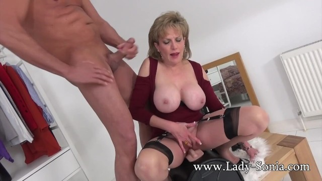 Huge sybian cock - Uk milf rides sybian and sucks a huge cock