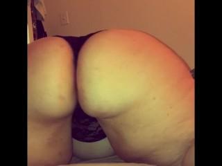 Sexy BBW twerks and jiggles her fat ass