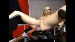 FreeChat Siswetlive.com  ***Double penetration fuckmachine with big squirt