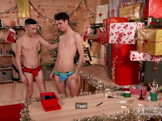Two Very Kinky Elves : Thomas Leconte & Ryan Marchal