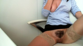 Diary Masturbate at work :Day 71:horny girl masturbating