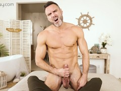 VRBGay.com Sexy Manuel Skye stroking his big cock Gay VR PORN