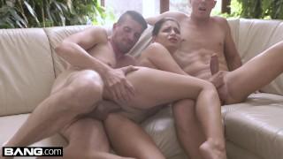 Glamkore Annie Wolf has a sensual DP session