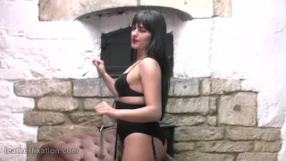 Kinky schoolgirl babe dressed in leather bra corset thigh boots with whip