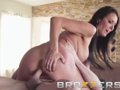 Brazzers - Sluty Milf Meagan Foxx fucks the help