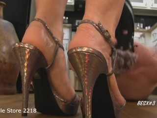 Obey Melaine - Addicted to my feet.m