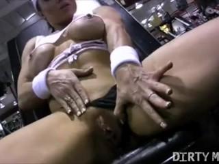 Naked Female Bodybuilder Brandimae Masturbating