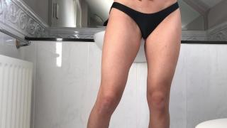 Petite salope étroite défoncée par un inconnu dans une chambre d'hôtel Butt shaved