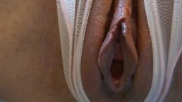 Ostern pissen peeing pee pinkeln weit geöffnete pussy möse gefilmt squirt