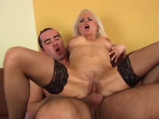 Vidios woman masterbateing nude