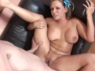 Full figured mature linda