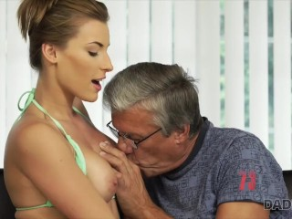 DADDY4K. Sex with her boyfriend´s father after swimming pool