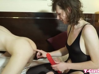 Seductive tgirl girlfriend sucking huge cock