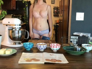 Naked Baking Ep.1 Chocolate Chip Cookies
