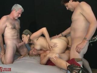 FOURSOME SEX 2 sluts ALIX LOVELL, SKY HAVEN 2 studs ERIC JOHN, JAY CREW
