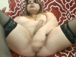 cassy ts do an incredible cumshot in cam show