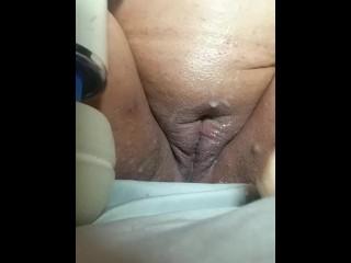 Bbw masturbate with squirting dildo