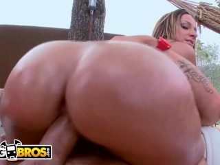 BANGBROS – PAWG Jada Stevens Sucks At Golf, But She's Amazing In Bed