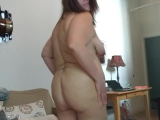 BBW does morning stretching