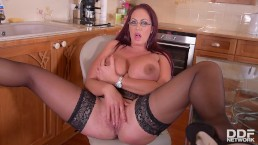 Curvy Kitchen Masturbation - Sultry Brit Sucks Massive Tits