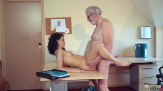 Cute Teen Fucked by Big Cock Grandpa Cums in her mouth with cumplay Tribbing mom