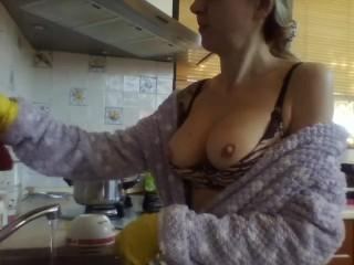 italian big boobs dishwasher
