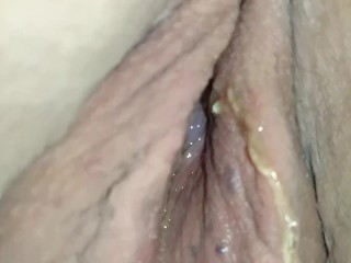 Girlfriends pussy is leaking