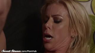 Big Tits MILF Alexis Fawx Sucks Balls & Gets Drilled Outdoor hand