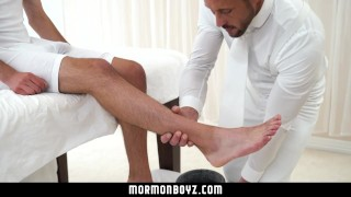 MormonBoyz - Guy Gets Barebacked by Muscle Daddy