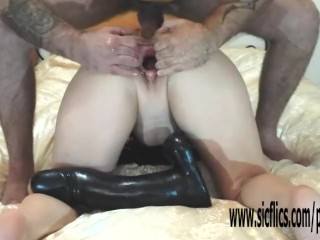 Momy Porno Video Gigantic dildo fucked and fisted amateur wife