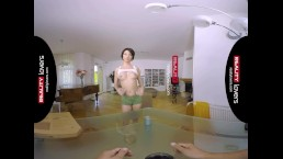 RealityLovers- Pizza Babe Monika VR