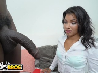 BANGBROS - Hung Stud Gets Spanish Lessons From Latin Babe Maritini Bows