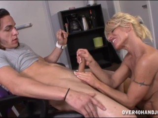 Mature homemade threesome clips