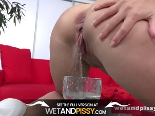 Wetandpissy - Perfecting Her Piss Play - Pussy Pissing