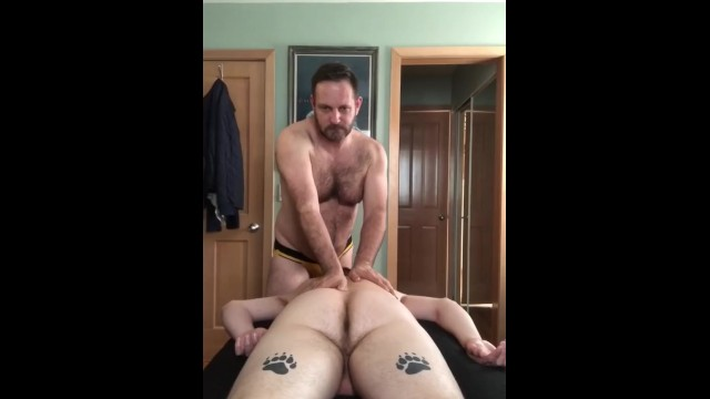 Hairy gay bear daddy tube - Hairy bear massages and breeds rugby boy