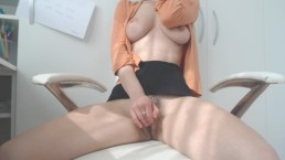 Masturbate at work : Day 93 : chill morning orgasm.solo female