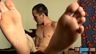 Yummy twink who is into feet play is ready for solo action