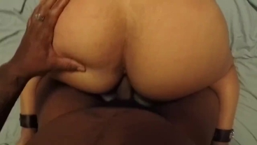 Milf likes when I play with her