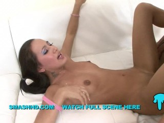 AMIA MILEY – TEACHING HOW TO FILL HOLES BUBBLE BUTT CUTIE PIE SCREAMER
